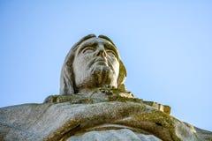 Χριστός ο βασιλιάς και ο ηλιόλουστος μπλε ουρανός Στοκ φωτογραφία με δικαίωμα ελεύθερης χρήσης