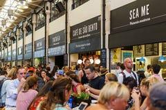 Χρονική έξω αγορά στη Λισσαβώνα Στοκ φωτογραφία με δικαίωμα ελεύθερης χρήσης