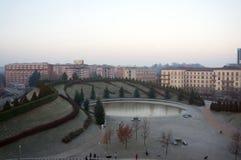 Χρονικό πάρκο στην περιοχή Nuovo Portello στα βορειοδυτικά του Μιλάνου σε ένα χειμερινό πρωί στοκ φωτογραφία με δικαίωμα ελεύθερης χρήσης