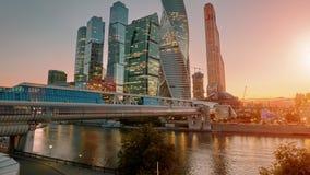 Χρονικό σφάλμα ηλιοβασιλέματος οριζόντων πόλεων της Μόσχας απόθεμα βίντεο