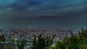 Χρονικό σφάλμα ηλιοβασιλέματος στο Σαντιάγο de Χιλή με την υδρονέφωση απόθεμα βίντεο