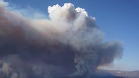 Χρονικό σφάλμα Καλιφόρνιας κομητειών Santa Barbara πυρκαγιάς απόθεμα βίντεο