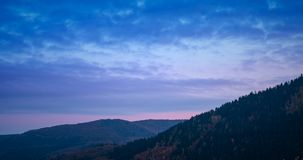 Χρονικό σφάλμα πέρα από το ηλιοβασίλεμα πέρα από τους λόφους Eifel φθινοπώρου φιλμ μικρού μήκους