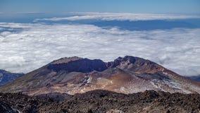 Χρονικό σφάλμα του ηφαιστείου Pico Viejo με τα σύννεφα φιλμ μικρού μήκους