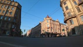 Χρονικό σφάλμα των σταυροδρομιών στην πλευρά Bolshoy Prospekt Petrograd, Αγία Πετρούπολη, Ρωσία απόθεμα βίντεο