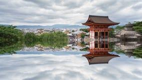 Χρονικό σφάλμα Kiyomizu Dera και τουρίστες στο Κιότο με την απόκρυφη αντανάκλαση απόθεμα βίντεο