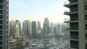 Χρονικό σφάλμα κόλπων φωτός της ημέρας από τη μαρίνα του Ντουμπάι απόθεμα βίντεο