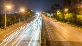 Χρονικό σφάλμα της πολυάσχολης κυκλοφορίας ανταλλαγής τη νύχτα στην πόλη φιλμ μικρού μήκους