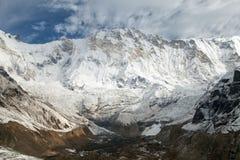 χρονικών Τοποθετήστε Annapurna από το στρατόπεδο βάσεων Annapurna Στοκ Εικόνες