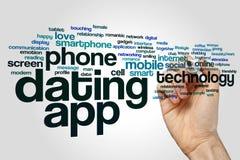 Χρονολόγηση app της έννοιας σύννεφων λέξης στο γκρίζο υπόβαθρο Στοκ Εικόνες
