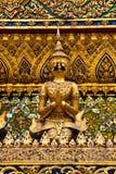 χρυσά αγάλματα phra kaew garuda wat Στοκ Εικόνες