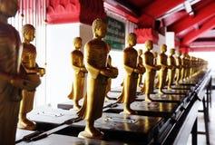 χρυσά αγάλματα του Βούδα Στοκ Φωτογραφίες