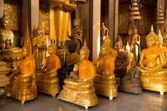 χρυσά αγάλματα του Βούδα Στοκ φωτογραφίες με δικαίωμα ελεύθερης χρήσης