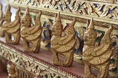 Χρυσά αγάλματα φυλάκων Στοκ φωτογραφία με δικαίωμα ελεύθερης χρήσης