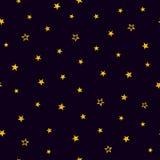 Χρυσά αστέρια σε ένα πορφυρό υπόβαθρο πρότυπο άνευ ραφής Στοκ φωτογραφία με δικαίωμα ελεύθερης χρήσης