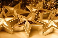 χρυσά αστέρια Χριστουγένν& Στοκ φωτογραφία με δικαίωμα ελεύθερης χρήσης