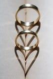 Χρυσά γαμήλια δαχτυλίδια Στοκ Εικόνες