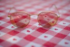 Χρυσά γυαλιά ηλίου αεροπόρων Στοκ Φωτογραφίες