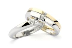 χρυσά δαχτυλίδια διαμαντιών Στοκ Εικόνα