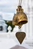 Χρυσά κουδούνια του Βούδα στο ναό, Ταϊλάνδη Στοκ εικόνα με δικαίωμα ελεύθερης χρήσης