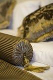 χρυσά μαξιλάρια Στοκ φωτογραφίες με δικαίωμα ελεύθερης χρήσης