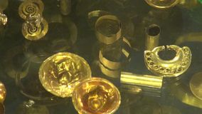 Χρυσά, πολύτιμα μέταλλα, κόσμημα απόθεμα βίντεο