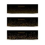 Χρυσά σπινθηρίσματα στο μαύρο υπόβαθρο, εμβλήματα Χρυσό κείμενο υποβάθρου Λογότυπο εμβλημάτων, Ιστός, κάρτα, VIP, αποκλειστικός,  Στοκ Εικόνες