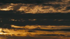 Χρυσά σύννεφα Contrasty απόθεμα βίντεο