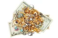 χρυσά χρήματα κοσμήματος Στοκ φωτογραφία με δικαίωμα ελεύθερης χρήσης