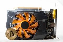 Χρυσά χρήματα Bitcoin στον υπολογιστή Στοκ Εικόνες
