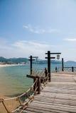 Χρυσές γέφυρες ακτών του βαλεντίνου πάρκων παραλιών της Meisha Shenzhen Στοκ Εικόνες