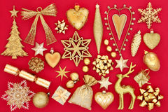 Χρυσές διακοσμήσεις μπιχλιμπιδιών Χριστουγέννων Στοκ φωτογραφία με δικαίωμα ελεύθερης χρήσης