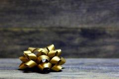 Χρυσές κορδέλλες τόξων Στοκ Εικόνα
