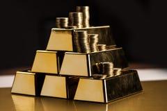 Χρυσές ράβδοι! Χρήματα και οικονομικός Στοκ Φωτογραφίες