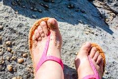 Χρυσή άμμος στην παραλία γραμμών ακτών Στοκ Φωτογραφίες