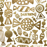 Χρυσή απεικόνιση καραμελών Συρμένα χέρι αφηρημένα γλυκά πρότυπο άνευ ραφής Στοκ Εικόνα