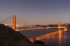 Χρυσή γέφυρα πυλών dusk στοκ φωτογραφίες