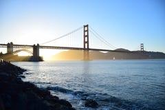 Χρυσή γέφυρα πυλών στο Σαν Φρανσίσκο στο ηλιοβασίλεμα Στοκ Εικόνες