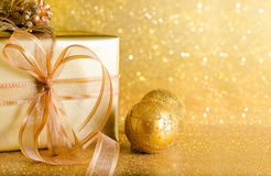 Χρυσή διακόσμηση Χριστουγέννων στοκ φωτογραφίες
