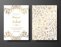 Χρυσή διανυσματική γαμήλια πρόσκληση με συρμένους τους χέρι κλαδίσκους, λουλούδια και brahches Χρυσό βοτανικό πρότυπο για το γάμο απεικόνιση αποθεμάτων