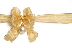 Χρυσή κορδέλλα με το τόξο Στοκ φωτογραφία με δικαίωμα ελεύθερης χρήσης