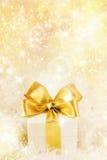 χρυσή κορδέλλα δώρων κιβωτίων Στοκ Εικόνα