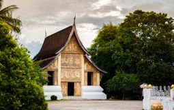 Χρυσή κύρια αίθουσα του λουριού Wat Xieng, Luang Prabang, Λάος Στοκ Φωτογραφίες