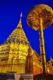 Χρυσή παγόδα ` Doi suthep ` ο διάσημος ναός σε Chiang Mai, Ταϊλάνδη στοκ εικόνες