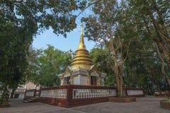 Χρυσή παγόδα Tha Chalaep, Chanthaburi, Ταϊλάνδη Στοκ Εικόνα