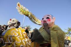 χρυσή παρέλαση δράκων Στοκ Φωτογραφίες