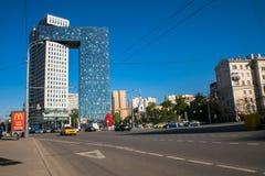 Χρυσή πύλη εμπορικών κέντρων στην εθνική οδό ενθουσιωδών, Μόσχα, Ρωσία στοκ φωτογραφία με δικαίωμα ελεύθερης χρήσης