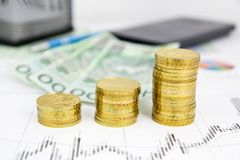χρυσή στοίβα νομισμάτων Στοκ εικόνα με δικαίωμα ελεύθερης χρήσης