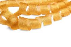 Χρυσή στριμμένη κορδέλλα σπείρα Στοκ φωτογραφία με δικαίωμα ελεύθερης χρήσης
