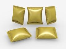 Χρυσή συσκευασία σακουλών φύλλων αλουμινίου με το ψαλίδισμα της πορείας Στοκ Εικόνες